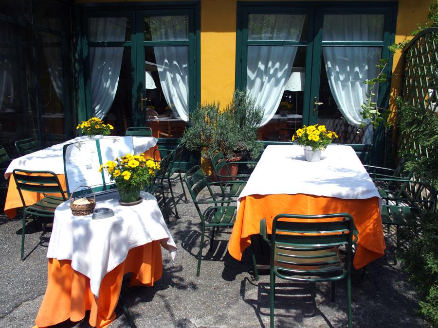 ristorante antica trattoria con calma foto cucina piemontese evoluta nel fresco della collina di